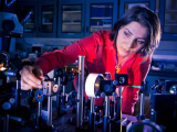 Инженеры-электрики изобрели самые маленькие нанолазеры
