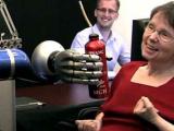 Новый протез способен управляться мозгом больного