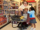 Дети тучных матерей растут медленнее