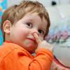 Медики: ковырять в носу полезно для иммунной системы