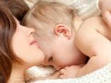 Грудное молоко улучшает работу мозга у младенцев