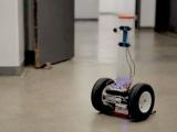 Похожие на сегвеи роботы помогают пожарным спасать жизни
