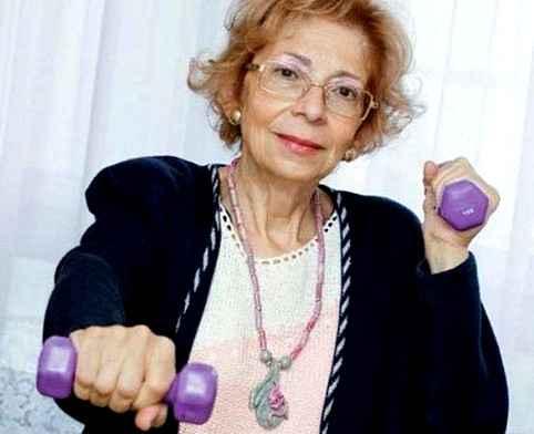Упражнения, фрукты и овощи продлят жизнь в старости