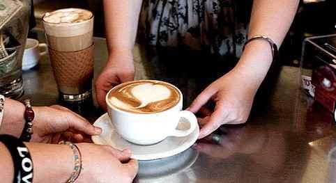 Ученые пришли к выводу,что кофе мешает женщинам зачать ребенка