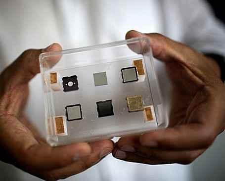 Микроионный двигатель будет корректировать орбиты наноспутников