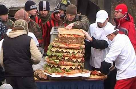 Любовь к гамбургерам опасна для мозга