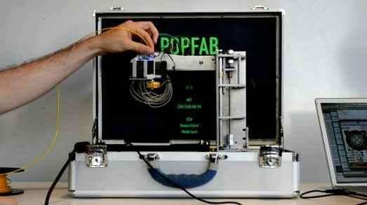 Студенты изобрели портативный 3D принтер,который легко помещается в портфель