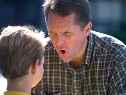 Родительская агрессия к детям может вызвать у них развитие рака