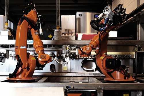 Mark Sharkr: дебют первого в мире робота-бармена, управляемый клиентами