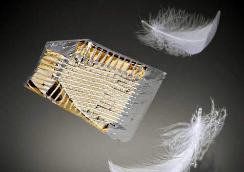 Ученые создали тонкую электронную пленку