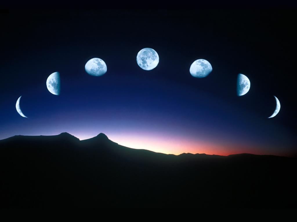 Вокруг земли нашлось множество лун