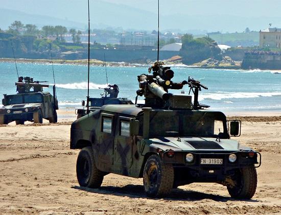 На смену военному Hummer Пентагона придет бронированный внедорожник.