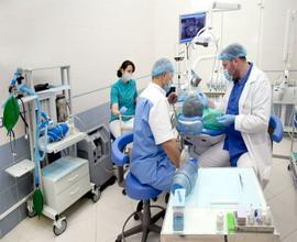 e`kstraktsiya-v-stomatologii-pod-obshhim-narkozom